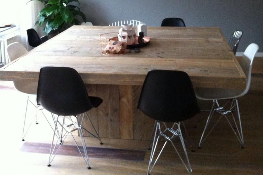 Vierkante Eettafel Steigerhout.Vierkante Steigerhouten Tafel Met Middenpoot Steigerhouten